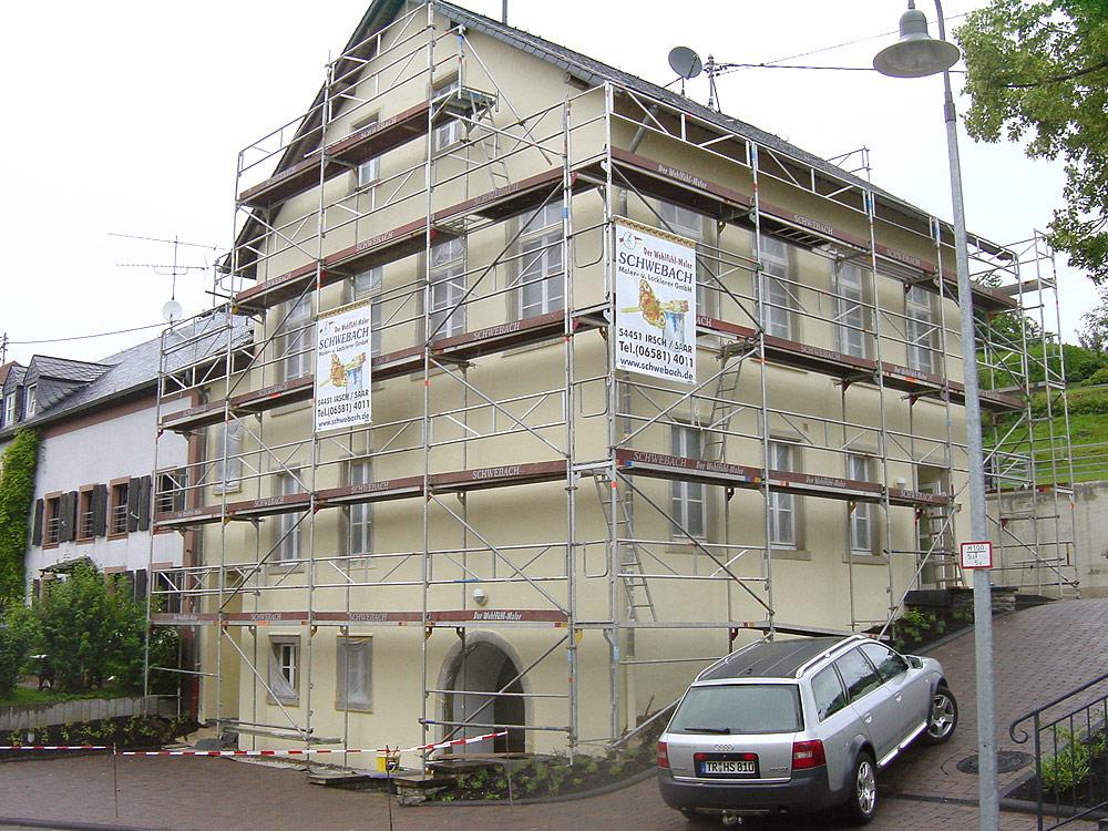 Arbeiten an einer Fassade