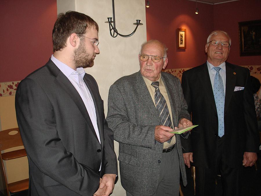 Gratulation der Großväter (v.l.n.r.: Lukas, Opa Alfred; Opa Hans)