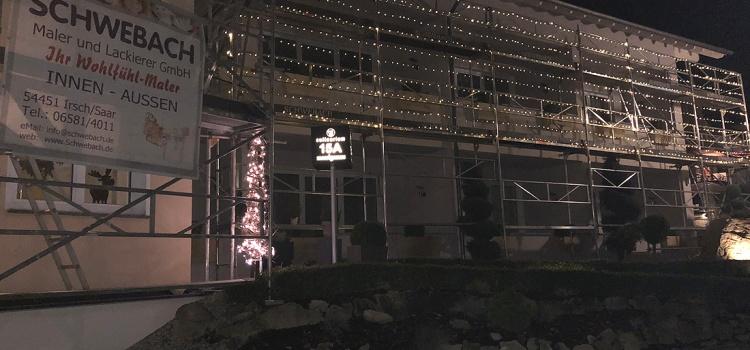 Weihnachtlicher Gerüstbau am Culinarium Nittel
